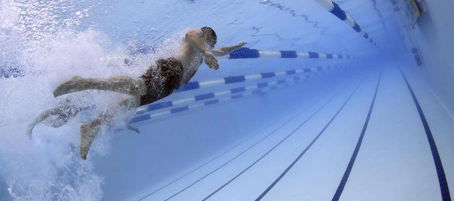 Aprendiendo a nadar. ¿Es útil la tabla?